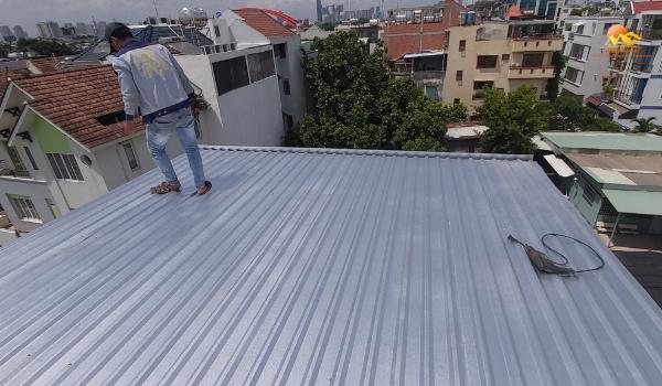 Quy trình thi công lợp mái tôn chống nóng